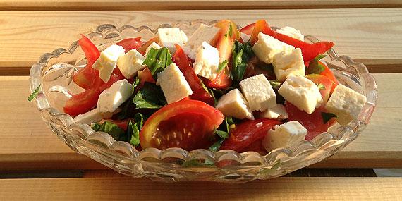 Tomatsalat med basilikum