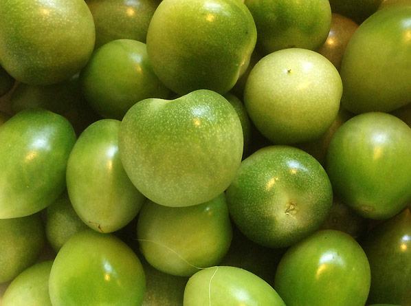 Grønne tomater i den lille have